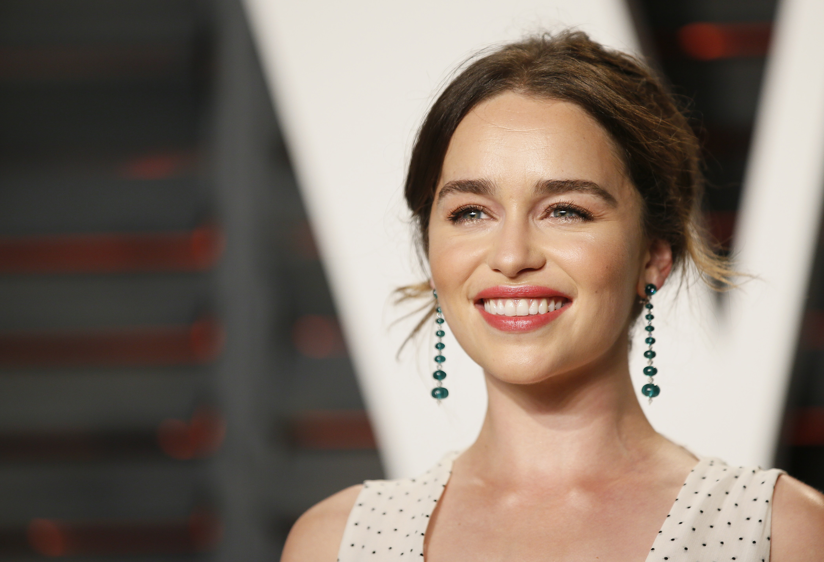 Emilia Clarke Reveals The Real Victim Of Game Of Thrones Entertainingmovie